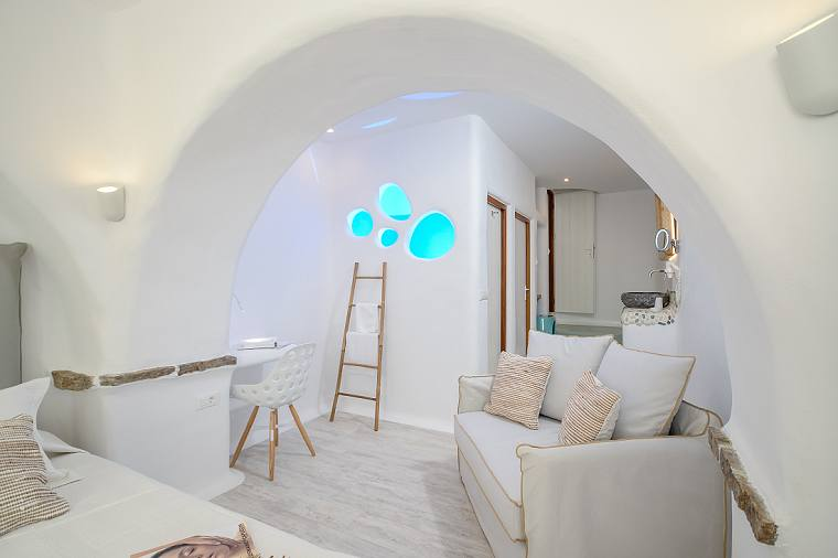 Split Level Suite at Hotel Orkos Beach